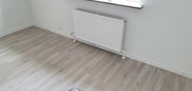 Det færdige gulv og værelse