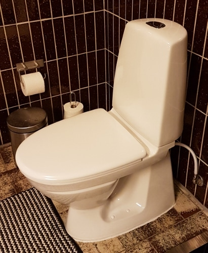 Nyt toilet monteret